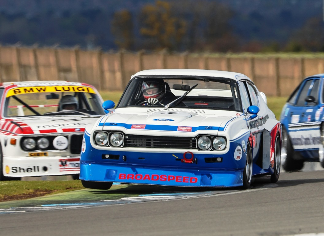 The Ford Cologne Capri of Chris Ward and Steve Soper raced to an unrivalled victory within the Historic Touring Car Challenge