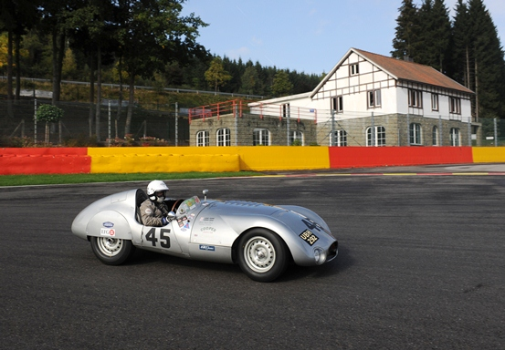 The Cooper T33 of Derek Hood and John Young competed in the combined Woodcote and Stirling Moss Trophy race