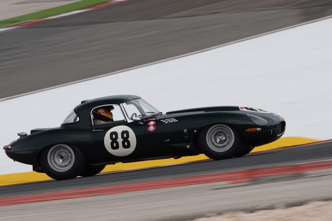 The Jaguar E-Type of Derek Hood, John Young and Chris Ward qualified in 2nd pkace ahead of Sunday's 2 hour GT & Sports Car Cup race.