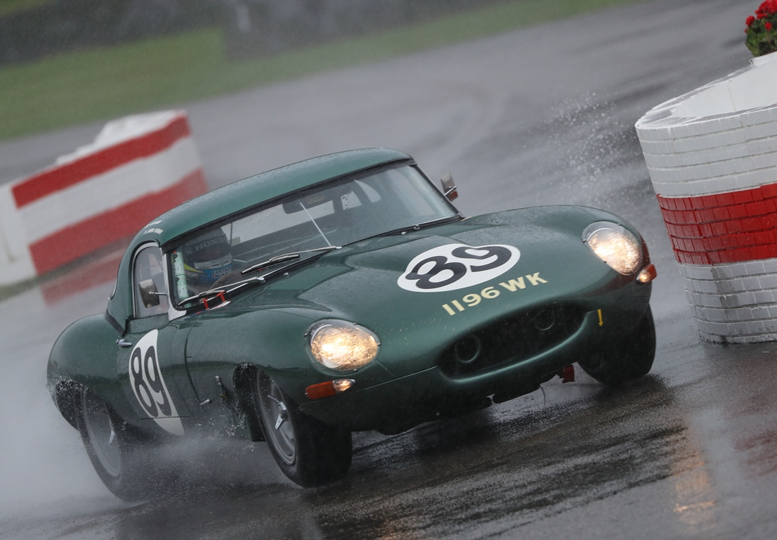 The Lightweight Jaguar E-Type of Chris Ward and Gordon Shedden qualified on pole position in the first of two qualifying sessions for the RAC TT Celebration race.