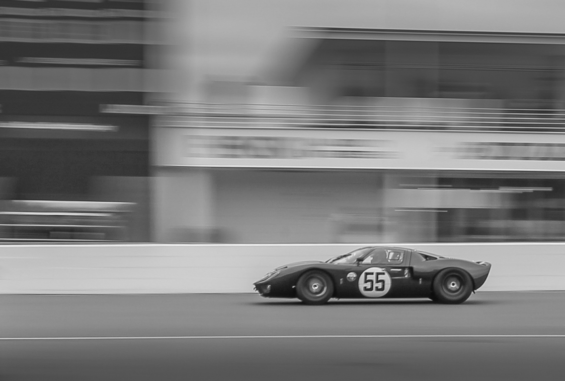JD Classics provided trackside support for John Young's Ford GT40 as it competed in the weekend's Alan Mann Trophy
