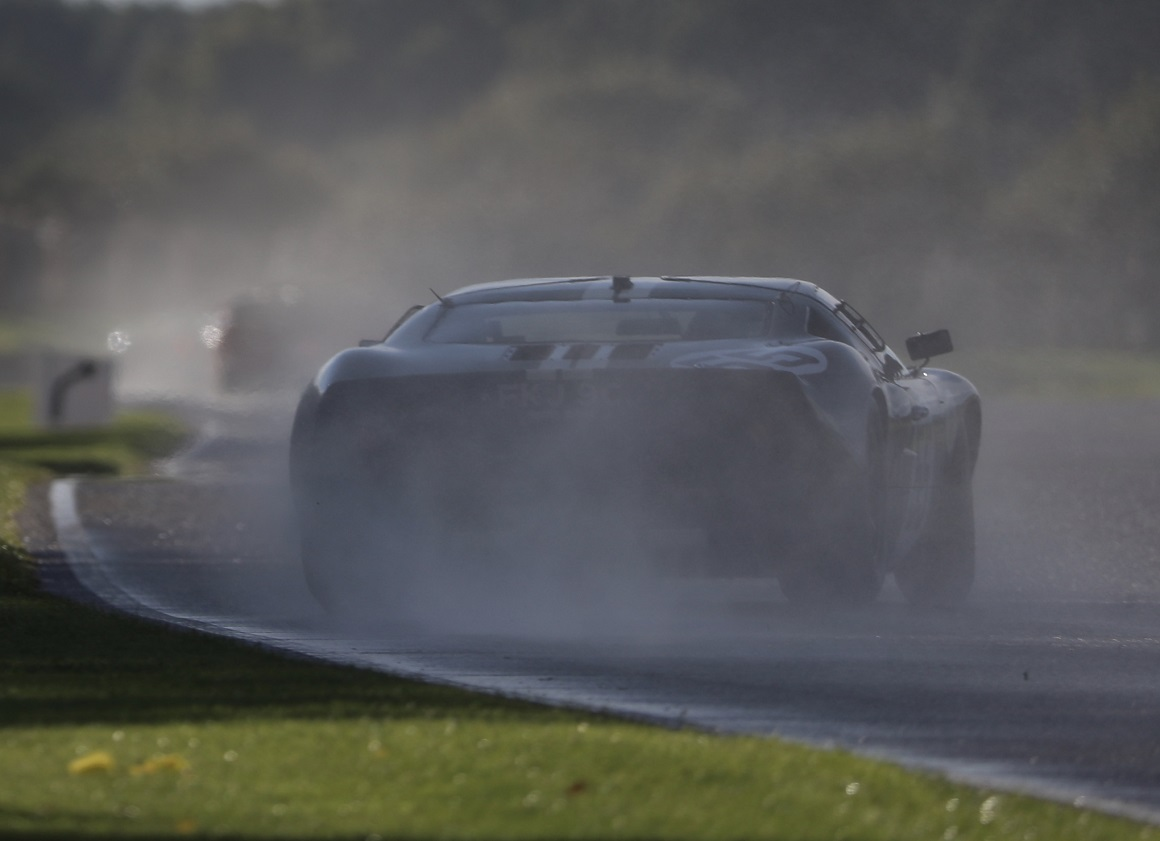 With a heavy downpour causing slippery track conditions, Chris Ward pushed the JD GT40 through from 3rd to take victory in the weekend's Whitsun Trophy.
